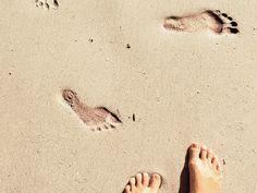 Eure Füße sind weit mehr als nur das Fundament eures Körpers. Was Größe, Form und Zehen über euren Charakter aussagen und welche Rolle die vier Elemente dabei spielen, lest ihr hier: