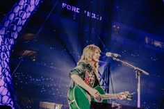 pure magic captured in a photograph. Long Live Taylor Swift, Red Taylor, Taylor Swift Pictures, Taylor Alison Swift, Swift Tour, Swift 3, Taylor Swift Wallpaper, Pennsylvania, Queens
