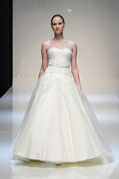 26c00013b9 Wedding Dress  Introducing our new designer - Royal couturier