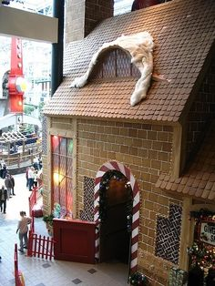 World's Largest Gingerbread House, Mall of America, Bloomington, Minnesota. Saw this when we visited .