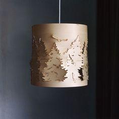 LAMPE: Norwegian Forest TAKLAMPE DESIGNER: Cathrine Kullberg  LEVERANDØR: Northern Lighting ÅR: 2007