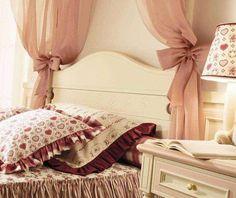 Camera da letto shabby shic - Letto decorato in stile shabby shic