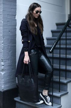 all black outfit casual - Outfits ta Outfits Leggins, Leggings And Converse, Outfits With Converse, Black Converse, Converse Shoes, Converse Tenis, Black Leggings, Purple Converse, Pants Outfit