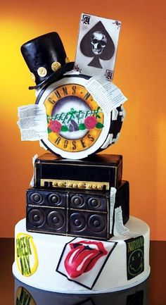 Classic Rock cake By Gian Paolo Panizzol Music Themed Cakes, Music Cakes, Beautiful Cakes, Amazing Cakes, Rock And Roll Birthday, Cake Wrecks, Party Rock, Rose Cake, Partys