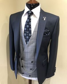 Wedding Suit Hire For Men & Tailoring - Slim fit navy lounge suit Summer Wedding Suits, Wedding Suit Hire, Summer Groom Suit, Grey Wedding Suits For Men, Mens Fashion Suits, Mens Suits, Engagement Dress For Men, Ropa Semi Formal, Wedding Waistcoats