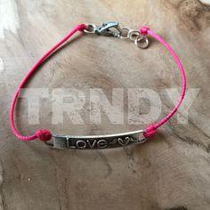 Roze armband -LOVE-