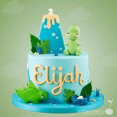 Cute little Dino cake in blue green and orange :) . Dinasour Birthday Cake, Dinosaur First Birthday, 4th Birthday Cakes, Birthday Ideas, Torta Baby Shower, Dinosaur Cakes For Boys, Bolo Dino, Zelda Cake, Dino Cake