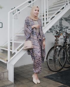 Kaftan Batik, Batik Kebaya, Blouse Batik, Batik Dress, Kimono, Model Dress Kebaya, Kebaya Modern Dress, Batik Muslim, Kebaya Muslim
