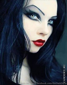 Great Goth girl make-up