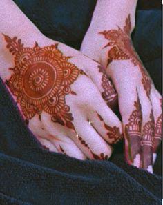 Peacock Mehndi Designs, Pretty Henna Designs, Khafif Mehndi Design, Stylish Mehndi Designs, Mehndi Designs For Girls, Mehndi Designs For Fingers, Beautiful Mehndi Design, Best Mehndi Designs, Arabic Mehndi Designs
