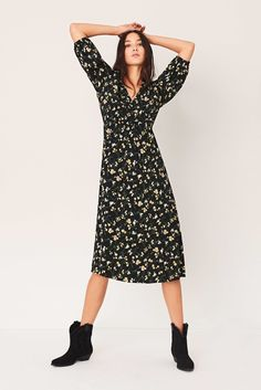 Fitted Midi Dress, Floral Midi Dress, Bash, Robes Midi, Low Boots, Wrap Dress, Backless, Dressing, Shopping