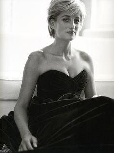 Принцесса Диана (Princess Diana) в фотосессии Марио Тестино (Mario Testino) в Кенгсингтонском дворце, фотография 4