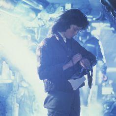 Alien Ripley, Alien 1979, William Gibson, Sci Fi Thriller, Sigourney Weaver, Aliens Movie, Ridley Scott, Xenomorph, Dark Horse