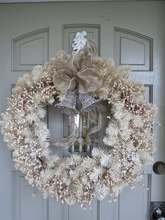 White WREATH  #CHRISTMAS #WINTERWONDERLAND