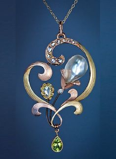 An Elegant Art Nouveau Jeweled Gold Pendant. Made in the city of Odessa between 1899 and 1908