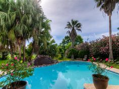 Newly List! Newly Renovated Pool - 7702 Antoine  $194,900.00  MLS 48323304