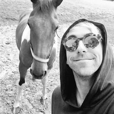all time low All Time Low, All About Time, Band Pictures, All About Horses, Pierce The Veil, Pop Punk, Punk Rock, Cat Eye Sunglasses, Bring It On