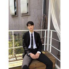 Image may contain: 1 person, standing Cha Eun Woo, Josh Hartnett Pearl Harbor, Kdrama, Actors Height, Cha Eunwoo Astro, Lee Dong Min, Park Hyung Sik, K Pop Star, Most Handsome Men