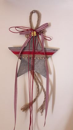 γούρια 2019 Xmas Crafts, Decor Crafts, Diy And Crafts, Christmas Star, Handmade Christmas, Christmas Ornaments, Winter Wonderland Party, Homemade Christmas Decorations, Diy Gifts