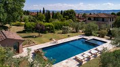 Estate in Valdichiana (SI). Aerial photo by Max Morriconi.