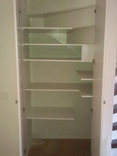 1000 images about trapkast on pinterest under stairs pantry google and under stairs - Handige trap ...