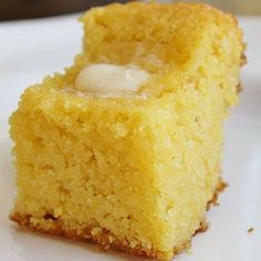 High Heels and Grills: Sweet Corn Bread. This is the best corn bread I have ever had. And it's really easy too! High Heels and Grills: Sweet Corn Bread. This is the best corn bread I have ever had. And it's really easy too! Great Recipes, Favorite Recipes, Yummy Recipes, Dessert Recipes, Healthy Recipes, Sweet Bread, Sweet Corn Bread Jiffy, Naan, I Love Food