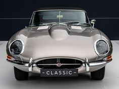 Old meets new: The electric E-Type Jaguar confirmed to go into production, with a choice of a vintage or modern interior. Classic Cars British, British Sports Cars, Classic Sports Cars, Jaguar Type, Jaguar Xk, Jaguar Cars, Convertible, E Type, Automotive Design