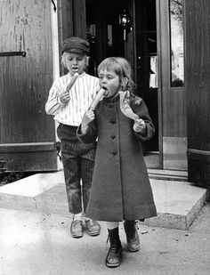 Risultati immagini per louise edlind Pippi Longstocking, Good Old Times, Image Archive, World Images, Black N White, Girl Humor, Aesthetic Pictures, Childhood Memories, Movies