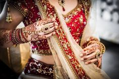 These aren't my pictures, these are just my posts of things related to India and sometimes the middle east. Indian Bridal Wear, Indian Wedding Outfits, Pakistani Outfits, Indian Wear, Indian Outfits, Indian Weddings, Wedding Tumblr, Dulhan Dress, Desi Wedding