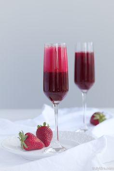 Beet & strawberry mimosa @ www.trulykira.com Strawberry Mimosa, Barista, Beets, Red Wine, Alcoholic Drinks, Food And Drink, Glass, Liquor Drinks, Drinkware