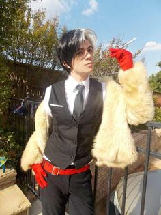 Disney Character Cosplay Cruella de Vil is listed (or ranked) 2 on the list 20 Hot Nerd Dudes in Unbelievably Sexy Genderbending Cosplays Epic Cosplay, Male Cosplay, Disney Cosplay, Amazing Cosplay, Cosplay Outfits, Cosplay Ideas, Rave Outfits, Anime Cosplay, Disney Villain Costumes