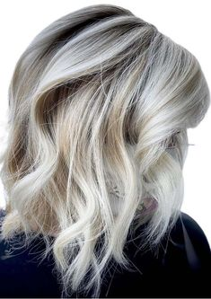 Fantastic Icy Blonde Hair Colors and Hairstyles for Women 2020 Ice Blonde Hair, Icy Blonde, Blonde Hair With Highlights, Short Blonde, Cool Hair Color, Hair Colors, Popular Hair, Fresh Hair, Color Trends