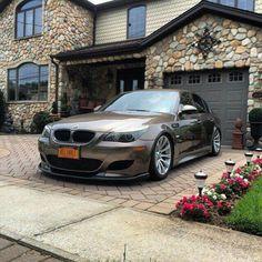 BMW E60 M5 bronze