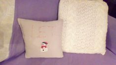 Great Absolutely Free hand sewing letters Style Want to make your own Christmas pillows? Here are a few instructions to get you started: Sweater P Sweater Pillow, Old Sweater, Sweaters, Sewing Letters, Make Your Own, Make It Yourself, How To Make, Christmas Pillow, Handmade Christmas