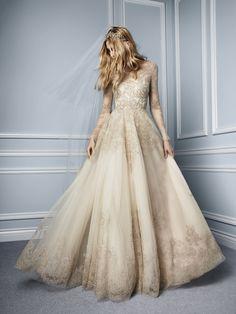 Foto 4 de 9 Elizabeth: Traje de novia de fantasía confección en tul y con bordadas en color champagne | HISPABODAS Esta colección otoño de Monique Lhuillier para novias, ¡tiene magia!