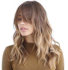O quizás lo tuyo sea un flequillo más largo y menos marcado. | 16 Geniales ideas para llevar tu pelo ni tan largo, ni tan corto