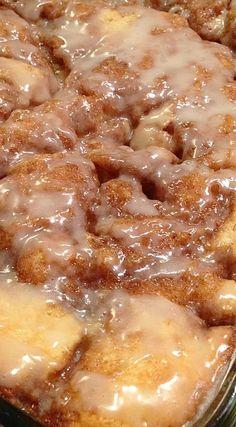 Cinnamon Bun Cake Re Cinnamon Bun Cake Recipe Sweet Treats! The post Cinnamon Bun Cake Re appeared first on Fun Healthy Recipes . Breakfast And Brunch, Breakfast Dishes, Breakfast Cake, Blueberry Breakfast, Blueberry Cobbler, Sweet Recipes, Cake Recipes, Dessert Recipes, Cake Mix Desserts