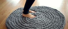 Here's A Super Easy Way To Crochet A Rug (No Hook Required)