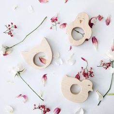 #spring is here!  #firstdayofspring #2016 #woodenstory #flowers #woodenteethers #woodentoys #ecotoys #ecocertified #fsccertified #handcrafted in the #beskidymountains #poland •  @littlewandererskids