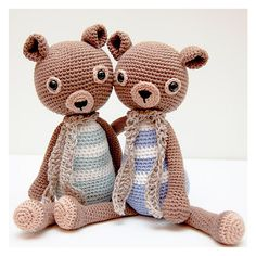 Roy the Teddy pattern by Ina Rho
