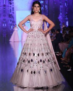 Reception Gowns: Buy Designer Gowns for Reception Online - Kalki Fashion Indian Fashion Dresses, Indian Bridal Outfits, Dress Indian Style, Indian Gowns, Indian Designer Outfits, Designer Party Wear Dresses, Kurti Designs Party Wear, Designer Gowns, Lehenga Designs