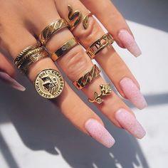 Emerald Earrings with Round Diamonds in Gold / Emerald Green Earrings / Emerald Stud Earrings / May Birthstone - Fine Jewelry Ideas Cute Jewelry, Jewelry Rings, Jewelry Accessories, Fashion Accessories, Fashion Jewelry, Jewelry Ideas, Parisian Fashion, Bohemian Fashion, Jewellery Box