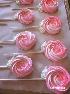 Meringue Cookies – Rose Meringue Cookies – Happy Mothers Day Cookies 2 dozen Source by etsyT ip is such a versatile tip for cake decorating! Rose Meringue Cookies, Rose Cookies, Mother's Day Cookies, Sugar Cookies, Meringue Kisses, Meringue Cookie Recipe, Chip Cookies, Mothers Day Crafts, Happy Mothers Day