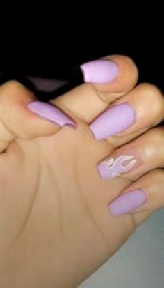 How to use nail polish? Nail polish in your friend's nails looks perfect, nevertheless you can't apply nail polish as you wish? Purple Acrylic Nails, Acrylic Nails Coffin Short, Best Acrylic Nails, Purple Nails, Coffin Nails, Summer Acrylic Nails Designs, Pastel Nail, Simple Acrylic Nail Ideas, Acrylic Nails With Design