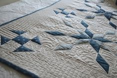 Prošívání - Quilting | 2016 autorské quilty Quilting, Kids Rugs, Blanket, House, Home Decor, Scrappy Quilts, Blankets, Kid Friendly Rugs, Haus