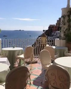 Positano, Italien - Time-out Videos - Places Around The World, The Places Youll Go, Cool Places To Visit, Places To Go, Beautiful Places To Travel, Wonderful Places, Vacation Places, Dream Vacations, Voyage Europe