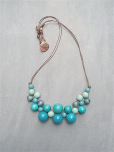 Interesting -> Easy Beaded Necklace Ideas ;)