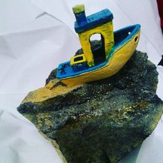 """Oh noo!! My boat stuck on big rock!! @3dbenchy #3dbenchy #boat #rock #stuck #art #design #photo #pics #3d #3dprinter #3dprint #3dprinting"""