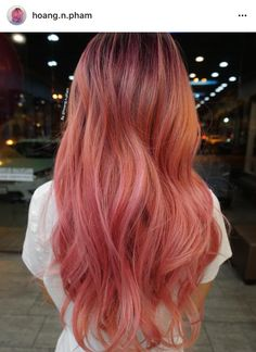 Beautiful hot pink hair color ideas to makes you looks stunning 73 Hot Pink Hair, Dyed Hair Purple, Hair Color Pink, Dye My Hair, Bad Hair, Hair Day, Bleached Hair, Grunge Hair, Pretty Hairstyles