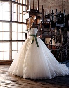Classic Southern Belle. Love love love. I will have this dress for my wedding!